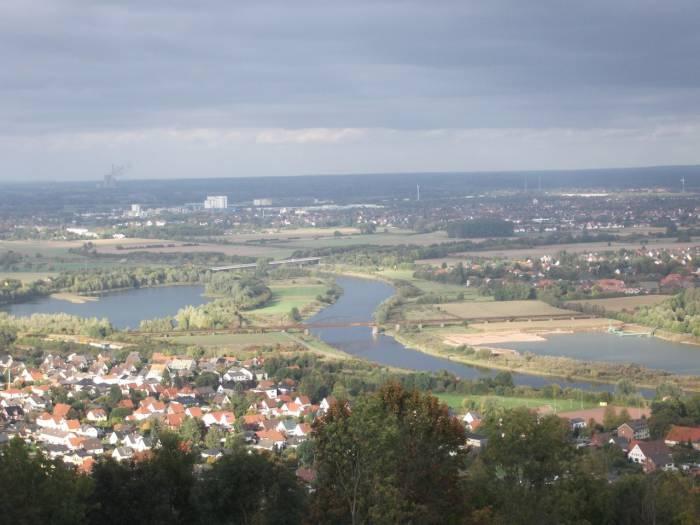 Вид с памятника Вильгельма Кайзера на город Порта-Вестфалика и город Минден. Фото Елены Шрейдер