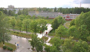 На фото видно, что сад занимает большую территорию (слева). Фото Анастасии Вереск