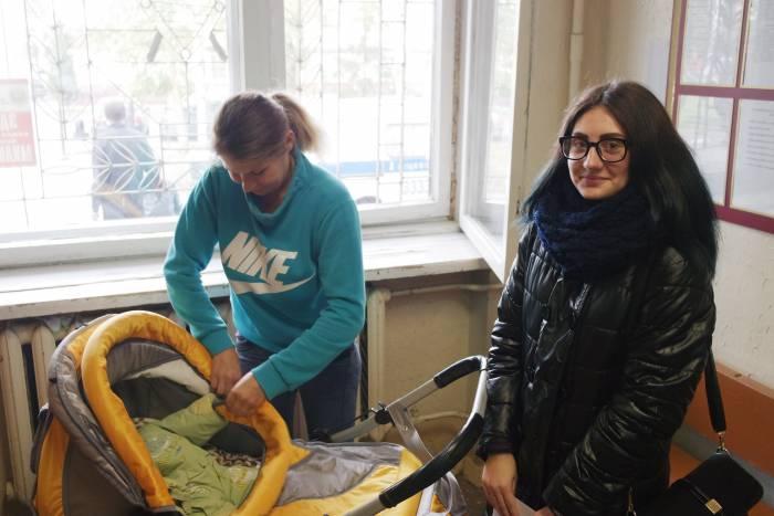 Татьяна и ее дочка Алина. Фото Владимира Боркова