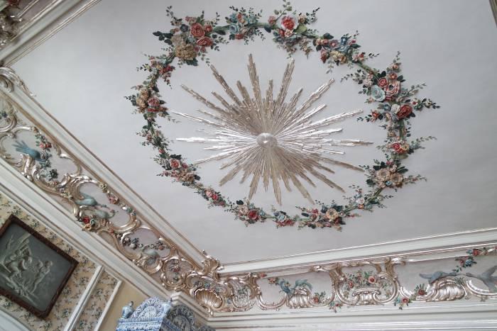 Даже потолок впечатляет. Фото Анастасии Вереск