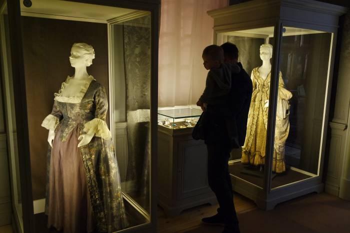 Выставка внутри дворца. Фото Анастасии Вереск