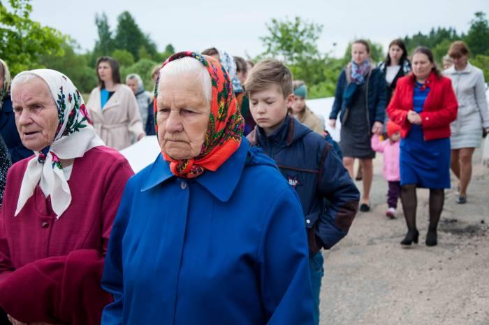 Ирина, жительница деревни Папшичи. Фото Анастасии Вереск