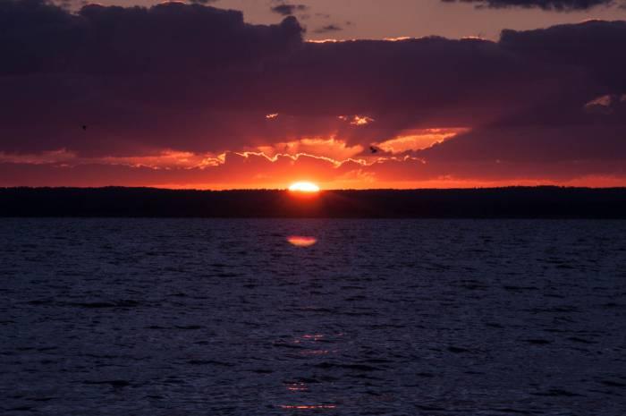 Закат на озере. Фото Анастасии Вереск