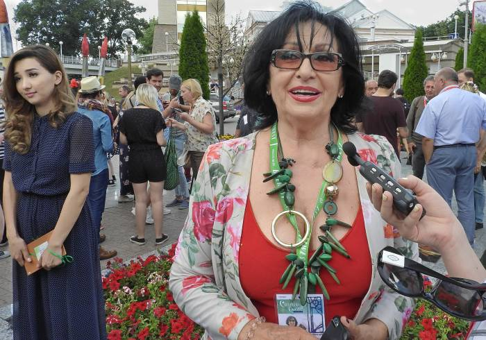 Председатель жюри, популярная болгарская певица Йорданка Христова. Фото Светланы Васильевой