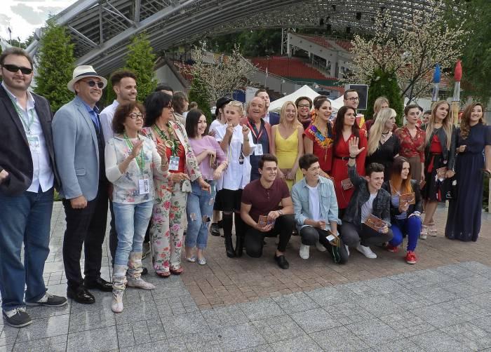 Участники и жюри XXVI Международного конкурса исполнителей эстрадной песни «Витебск - 2017». Фото Светланы Васильевой