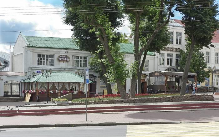 Больше всего летних террас на улице Суворова в Витебске. Фото Светланы Васильевой
