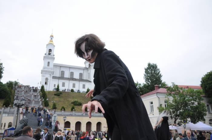 Опасности улицы Толстого. Фото Анастасии Вереск
