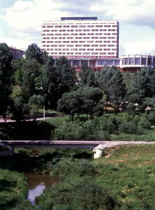 "Дом с рестораном ""Аврора2, начало 80-ых. Фото из группы ""Таямніцы Віцебска"""