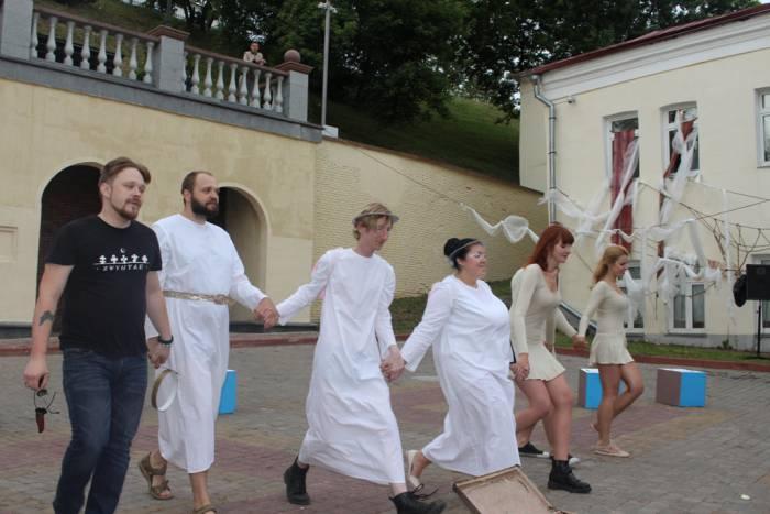 фэст, спектакль, театр отрытых, божественная комедия