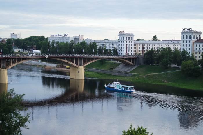 Вид на город с Успенской горы. Если вам повезет, в кадр попадет и теплоход. Фото Анастасии Вереск