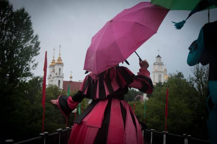 Парад под зонтами. Фото Анастасии Вереск