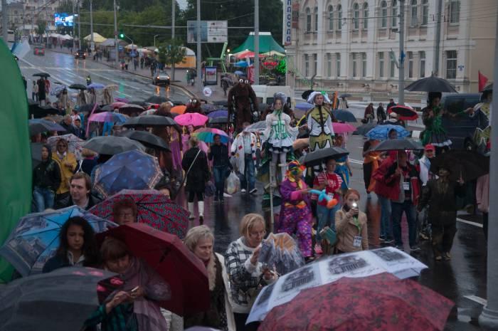 На улице Ленина было людно. Фото Анастасии Вереск