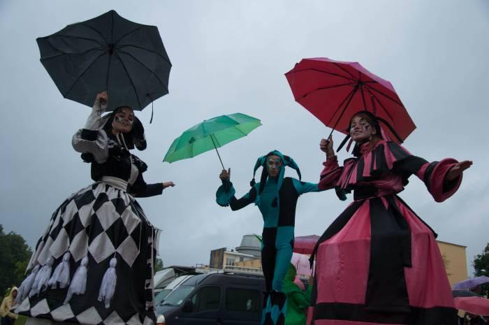 Под дождем, но с настроением. Фото Анастасии Вереск