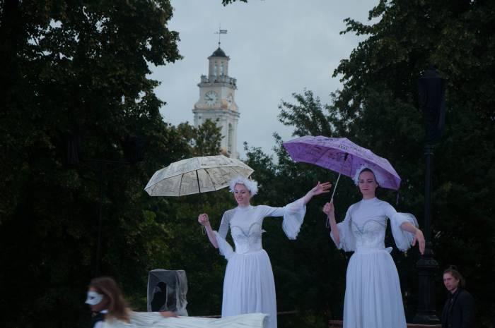 Башня на зонтике. Фото Анастасии Вереск