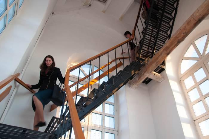 А подниматься придется по вот такой лестнице! Фото Анастасии Вереск