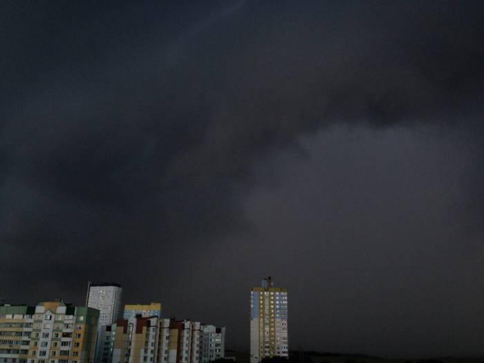 Гроза приближается к Минску. Фото из соцсетей