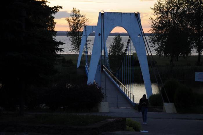 Мост через канал в Новолукомле. Фото Анастасии Вереск
