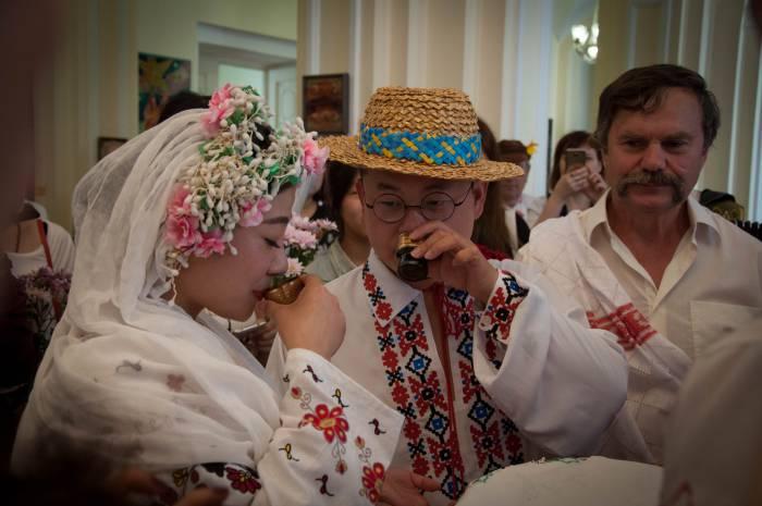 Чарка для молодых. Фото Анастасии Вереск
