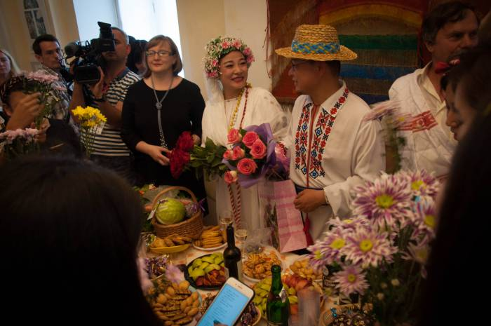 Белорусская свадьба в художественном музее. Фото Анастасии Вереск