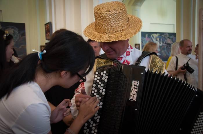 Сыграй мне, гармонист! Фото Анастасии Вереск
