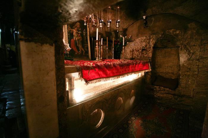 Гробница Богородицы, вид от северного входа в кувуклию. Фото ru.wikipedia.org