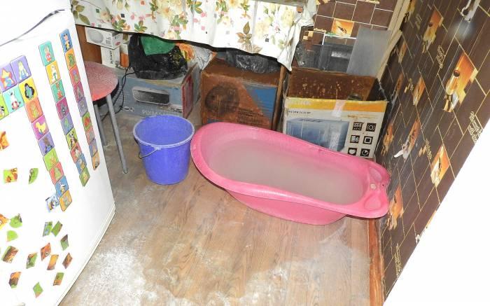 Будет ли работать холодильник после такого потопа? Фото Светланы Васильевой