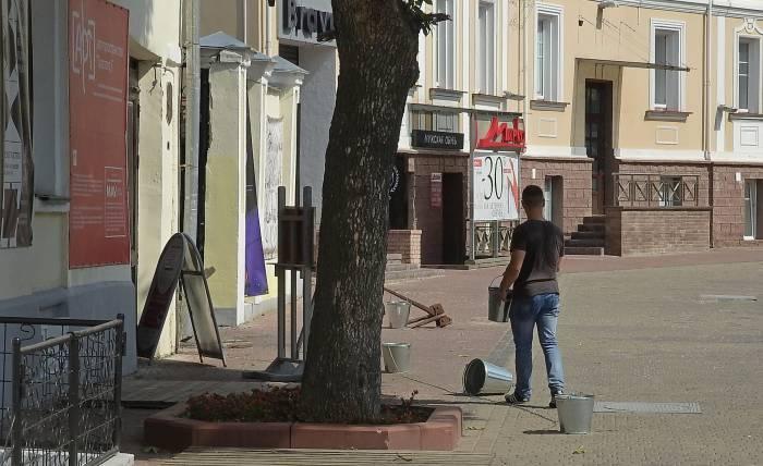 Ведра нужно снова наполнить водой. Фото Светланы Васильевой