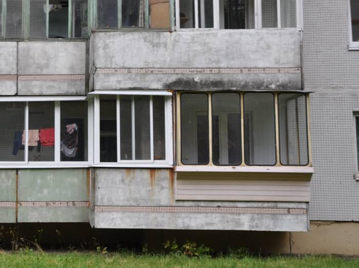 Хозяин этого балкона явно на все руки мастер. Фото Анастасии Вереск
