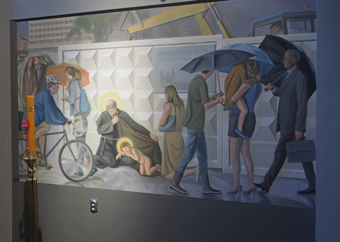 На фреске изображено планируемое восстановление костёла Святого Антония напротив ратуши, который чудом сохранился во время Второй мировой, но был разрушен в начале 1960-х годов. Фото Светланы Васильевой