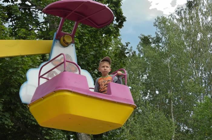 Раньше в парке Мазурино было три колеса обозрения разного калибра. Теперь работает только одно - «Солнышко». Фото Светланы Васильевой