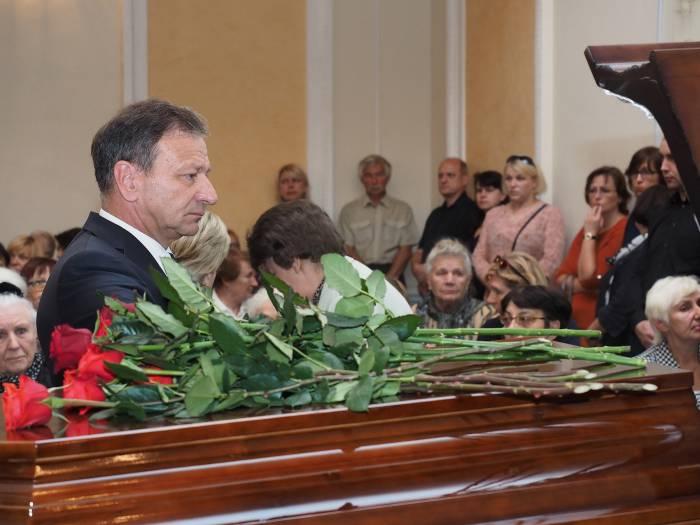 Церемонию прощания посетил мэр Витебска Виктор Николайкин. Фото Светланы Васильевой