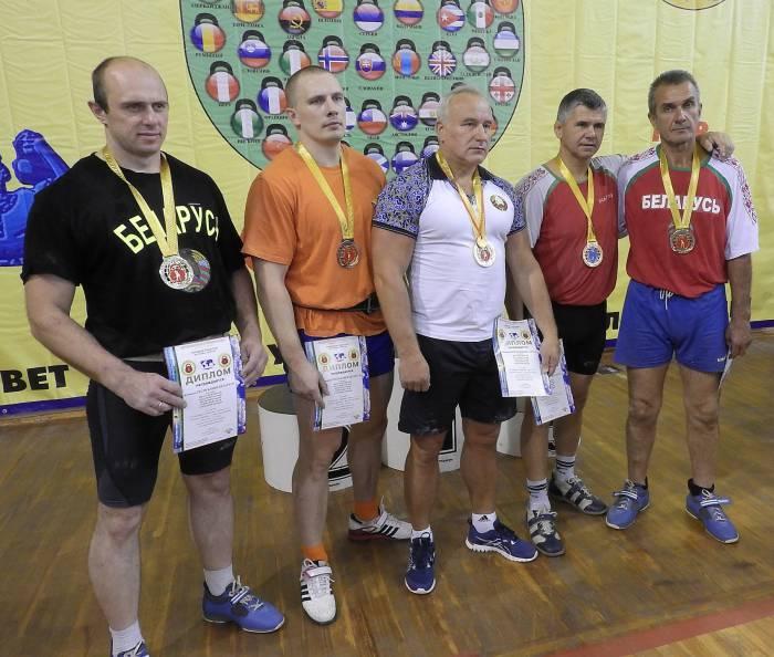 Команда Республики Беларусь победила в марафоне на III Всемирной Олимпиаде по гиревому триатлону. Фото Светланы Васильевой