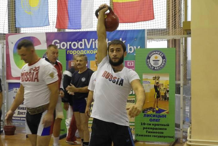 Гири сегодня – один из самых доступных видов спорта. Фото Светланы Васильевой