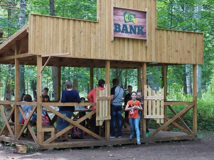 Если планируется устроить праздник, то можно арендовать беседку за 10 рублей в час. Фото Светланы Васильевой