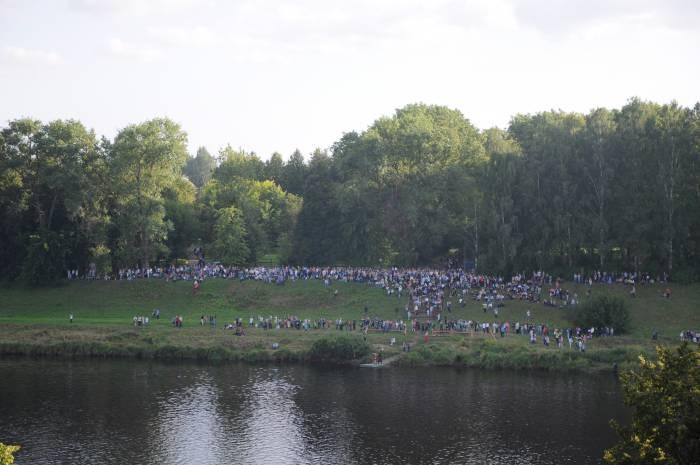 Соревнования собрали толпу зрителей. Фото Анастасии Вереск