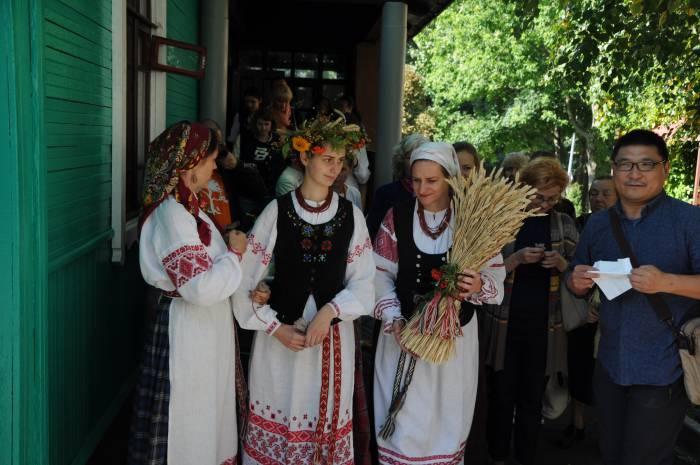 Готовимся к празднику! Фото Анастасии Вереск