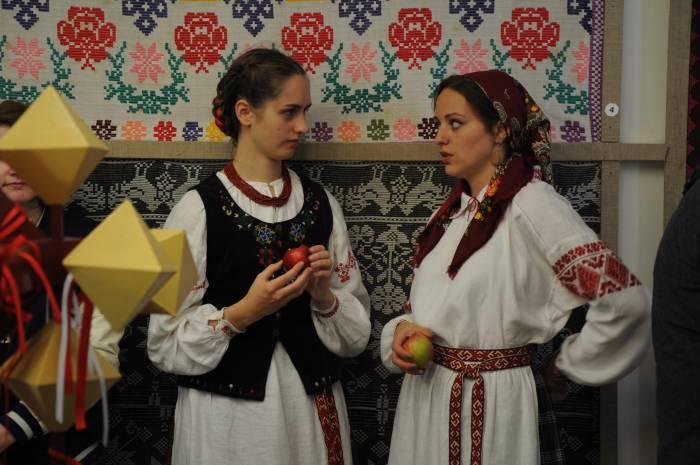 Еще одно осеннее угощение - яблоки. Фото Анастасии Вереск