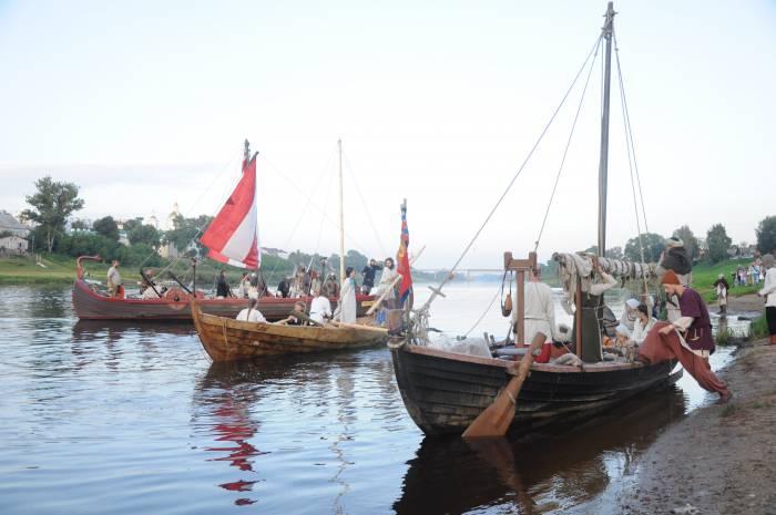 Разбираться с викингами приплыл полоцкий князь. Фото Анастасии Вереск