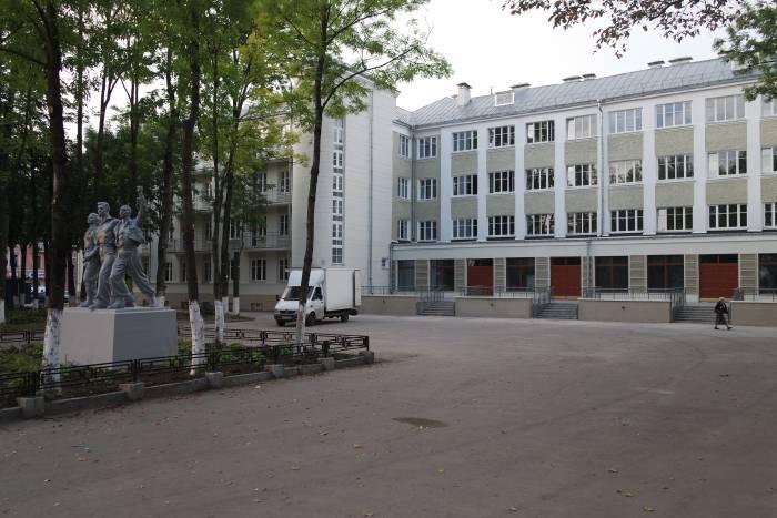 Вот теперь выглядит здание. Фото Владимира Боркова