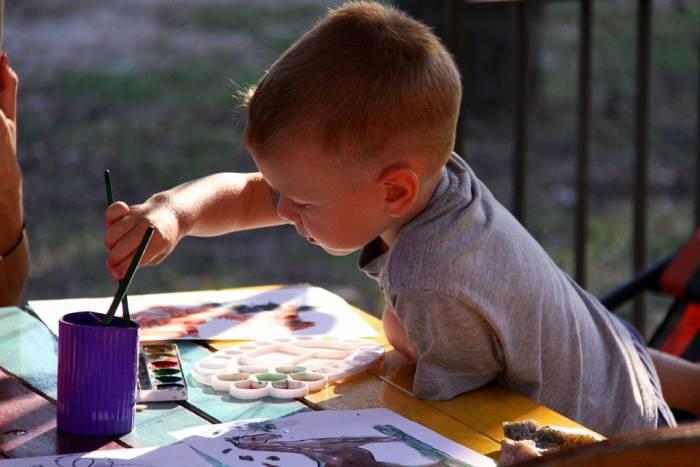 Где порисовать ребенку в Витебске. Школы искусств и объединения по интересам