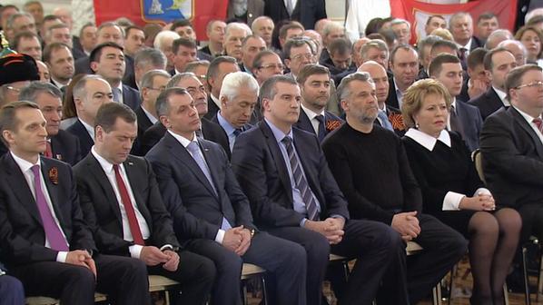 Медведев часто засыпает на совещаниях и заседаниях. Источник politota.d3.ru