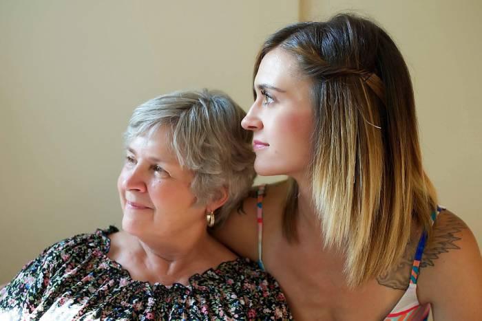 мама и взрослая дочь