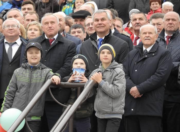 Зрители зрелищного шоу от МЧС. Фото Светланы Васильевой
