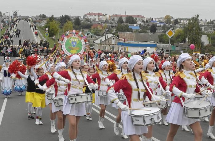 В Дубровно с размахом отпраздновали областные «Дожинки». Фото Светланы Васильевой