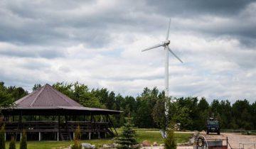 Ветряная электростанция в Красногорке  Браславского района. Фото Владимира Боркова