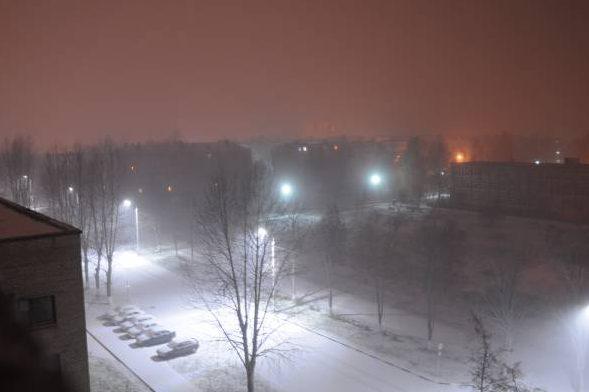 Метель в Новолукомле, 26 октября, час ночи. Фото Анастасии Вереск