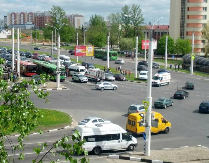 ДТП возле McDonald's в Витебске. Фото из соцсетей