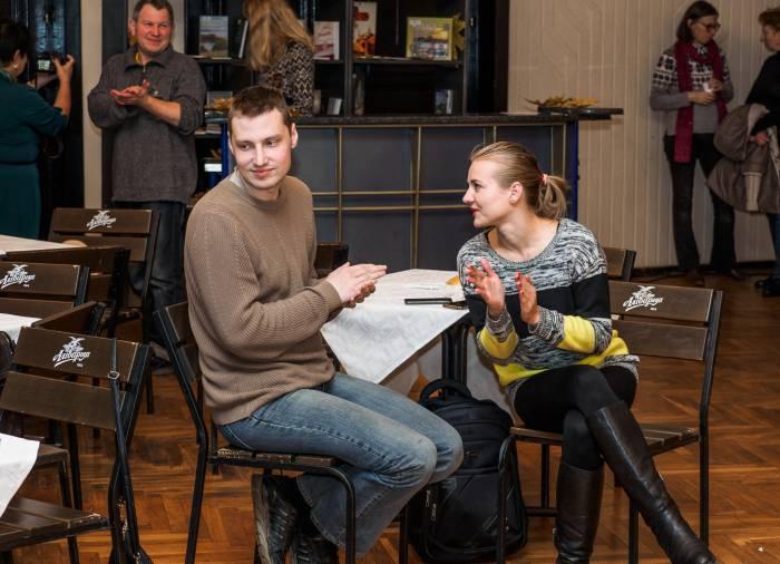 Посетители фестивального кафе. Фото Светланы Васильевой