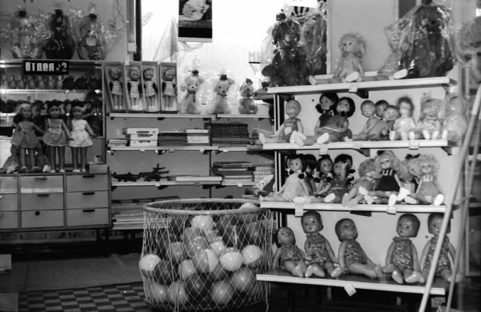 Эти товары могли приобрести покупатели в Витебском универмаге в начале 70-х годов 20 века