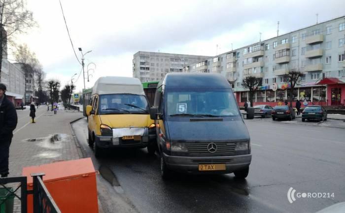 Вчера в Новополоцке столкнулись две маршрутки